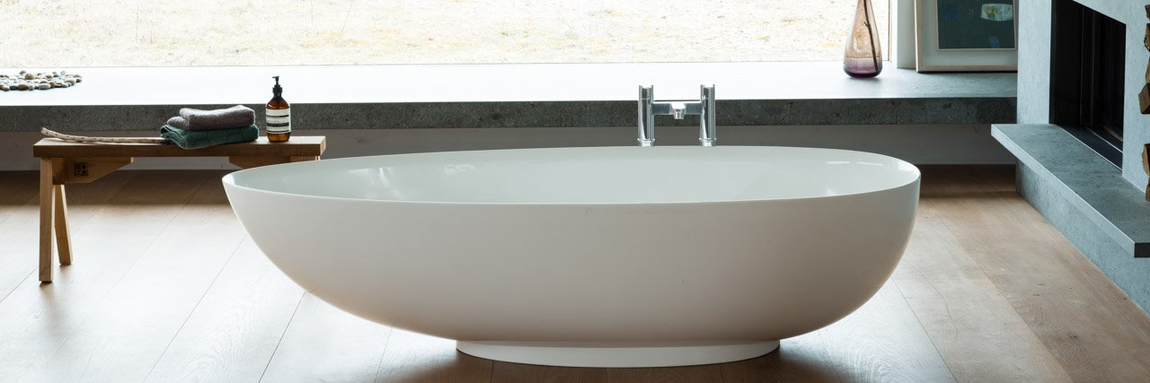 Teardrop Grande Free Standing Bath and Tall Bath Filler